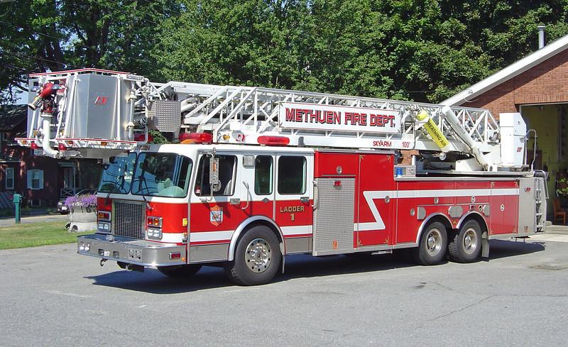 Ladder 1 1996 Spartan/Nova Quintech 100'