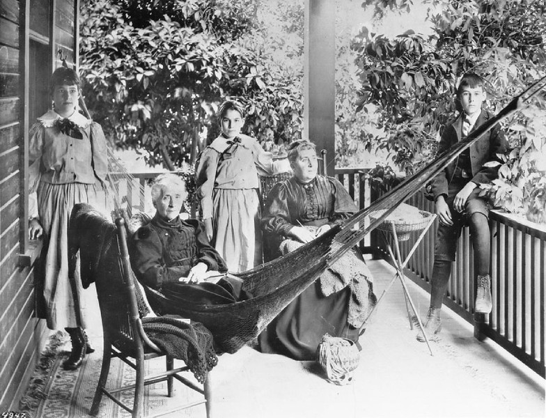 Mrs. Jessie Benton Fremont and company at her home in Pasadena, ca.1892