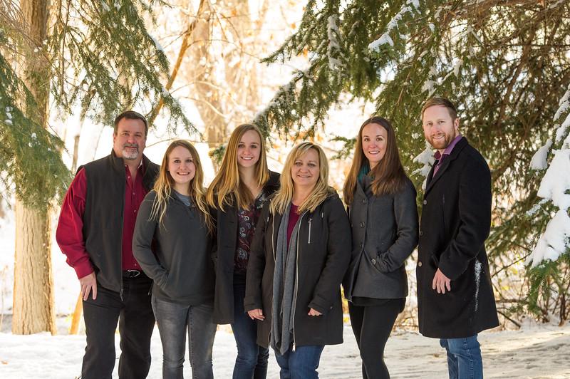2016_DaBell Winter Family Portraits_0065.jpg