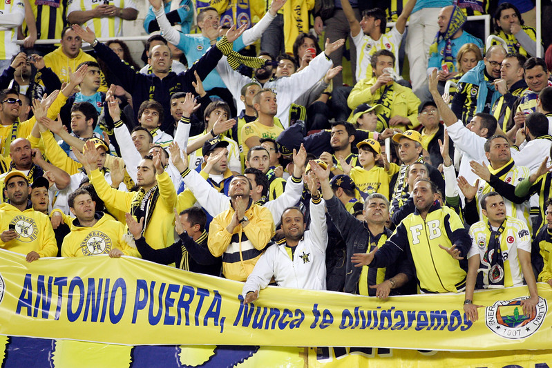 Turkish fans displaying a banner in the memory of Antonio Puerta. The sign says, in Spanish, Antonio Puerta nunca te olvidaremos (A. Puerta we will never forget you). UEFA Champions League first knockout round game (second leg) between Sevilla FC (Seville, Spain) and Fenerbahce (Istambul, Turkey), Sanchez Pizjuan stadium, Seville, Spain, 04 March 2008.