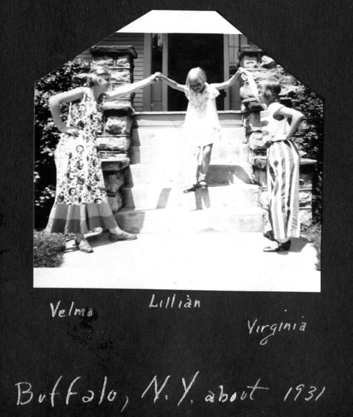 1931abt Girls Buffalo house.jpg