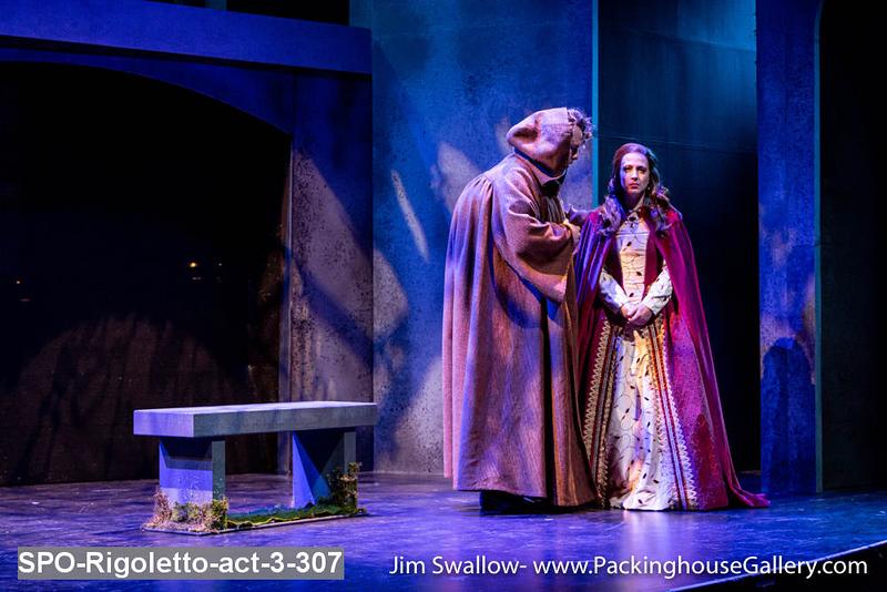 SPO-Rigoletto-act-3-307.jpg