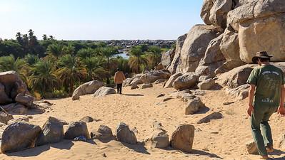 Auf dem Weg zu den Felsinschriften bei Tumbus am 3. Nilkatarakt