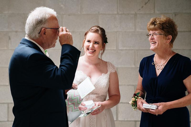 rustic_ohio__fall_barn_wedding-160.jpg