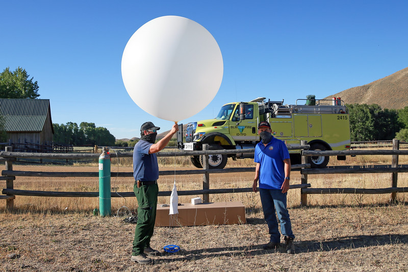 202020811_WeatherBalloonLaunch 06.JPG