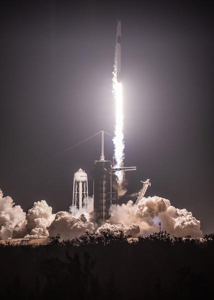 WS-SpaceX Dragon DM1-0123.jpg
