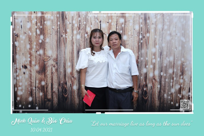 QC-wedding-instant-print-photobooth-Chup-hinh-lay-lien-in-anh-lay-ngay-Tiec-cuoi-WefieBox-Photobooth-Vietnam-cho-thue-photo-booth-032.jpg