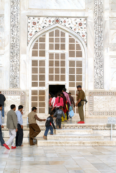 Main entrance to the tomb at Taj Mahal.