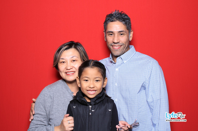 eastern-2018-holiday-party-sterling-virginia-photo-booth-0038.jpg