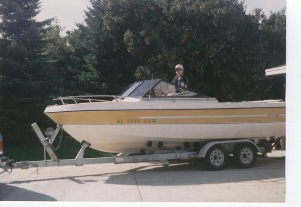 Charles_in_boat_summer_93.jpg