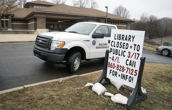 03/19/20 Wesley Bunnell | Staff The Berlin-Peck Memorial Library which has been temporarily closed is shown on Thursday March 19, 2020.