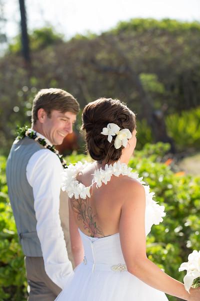 gillin beach kauai wedding-114.jpg