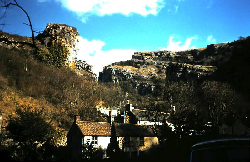 1959-3-15 Cheddar Gorge, Sommerst.JPG