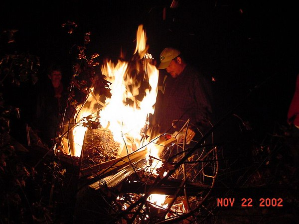 2002-11-22: Annual Bonfire