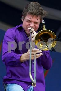 trombonist-mullins-in-jazz-spectacular