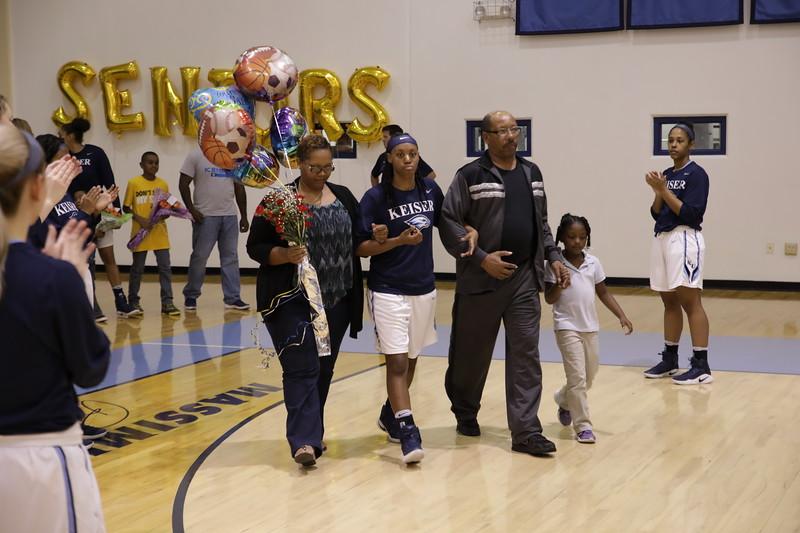 Keiser senior Miah Shephard and family