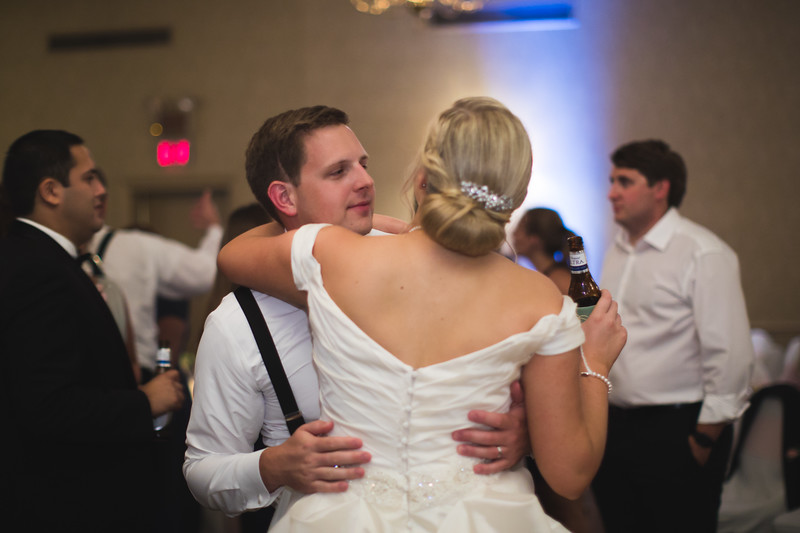 1041_Josh+Emily_Wedding.jpg