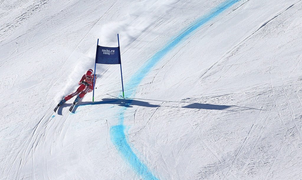 . epa04071140 Dominique Gisin of Switzerland in action during the Women\'s Downhill race at the Rosa Khutor Alpine Center during the Sochi 2014 Olympic Games, Krasnaya Polyana, Russia, 12 February 2014.  EPA/KARL-JOSEF HILDENBRAND