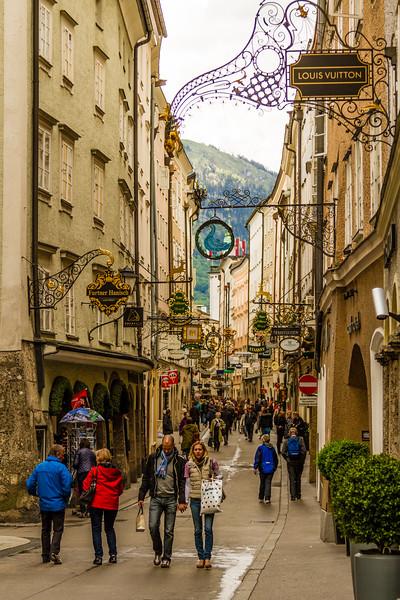 Genevieve Hathaway_Austria_Salzburg_streets.jpg