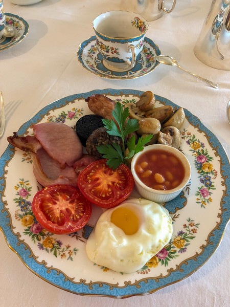 Full Scottish breakfast at Glenegedale House