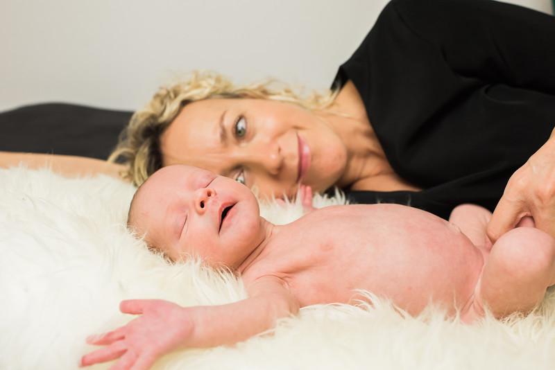 Newborn-Louise (125 van 142).jpg