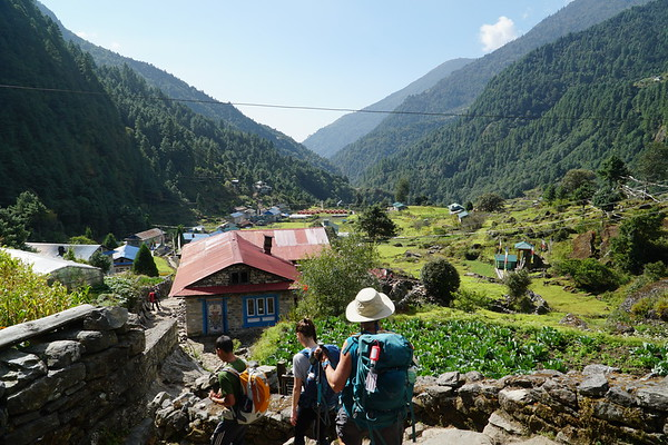 Down to Lukla (9,380')
