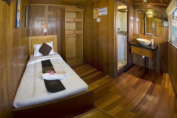 single cabin.jpg