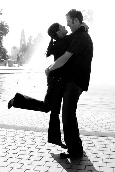 Jael and Scott's Silhouette Balboa Park, San Diego, California - April 2007