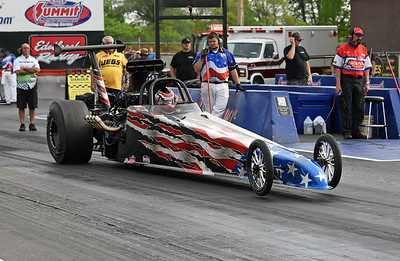 Top Dragster Action