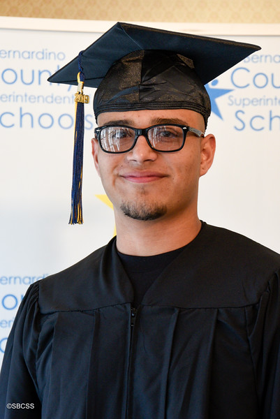 20190614_SSGradPortraits-22.jpg