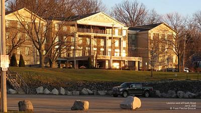 Niagara Crossing Hotel Jan., 2020