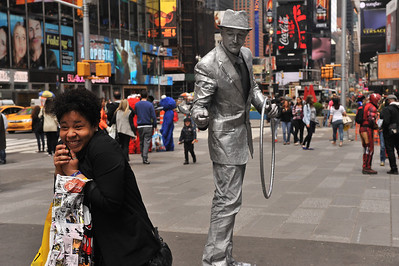MIME  ARTIST   IN  TIMES  SQUARE