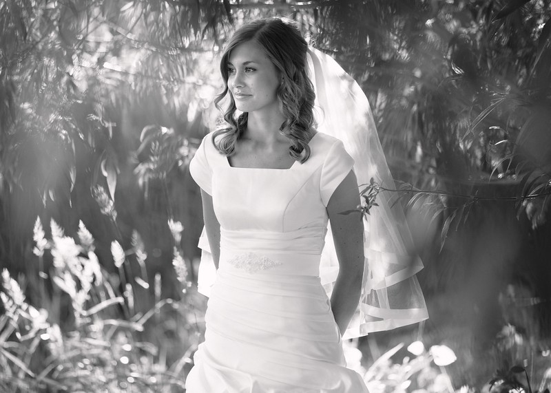 Amy Bridals 056bw.jpg