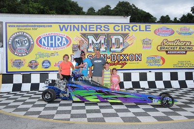 Winners Circle & Awards - Junior Dragsters
