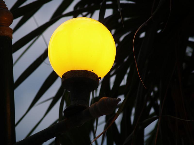 Lykt på Southern Lanta --- Lightpost at Southern Lanta. (Foto: Geir)