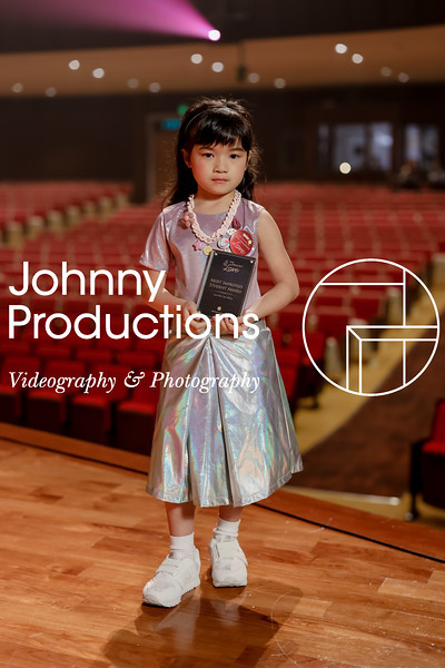 0018_day 1_award_red show 2019_johnnyproductions.jpg