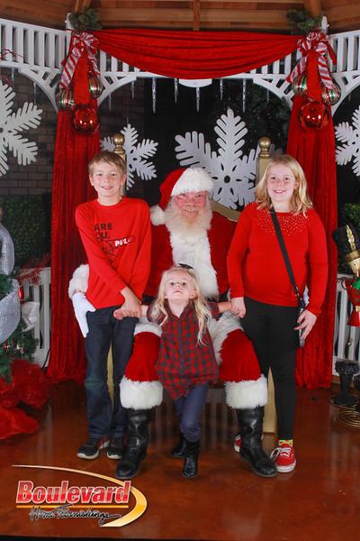 Santa 12-10-16-342.jpg