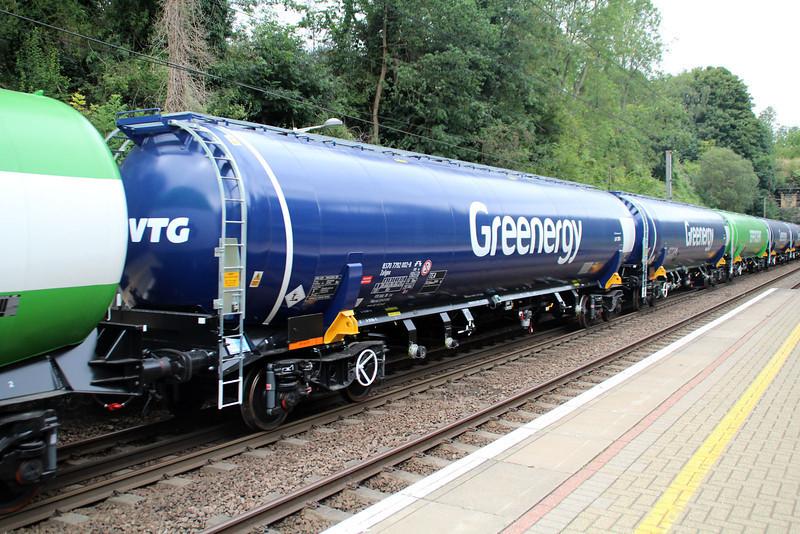 New GBRF TEA 83.70.7792002-8 on 6E92 Acton Lane-Immingham passes Welwyn North 23/08/12.