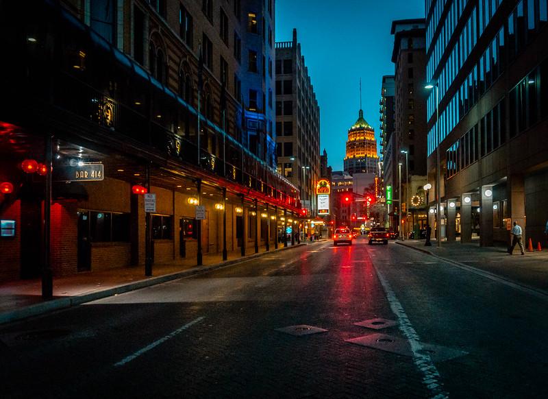 Houston Bar 414.jpg