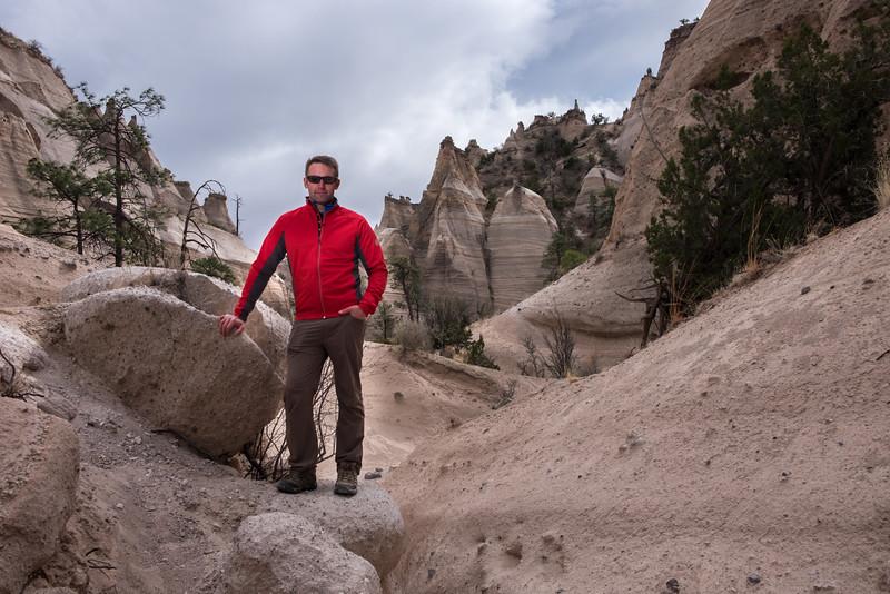 Tent rock hike portraits-8.jpg