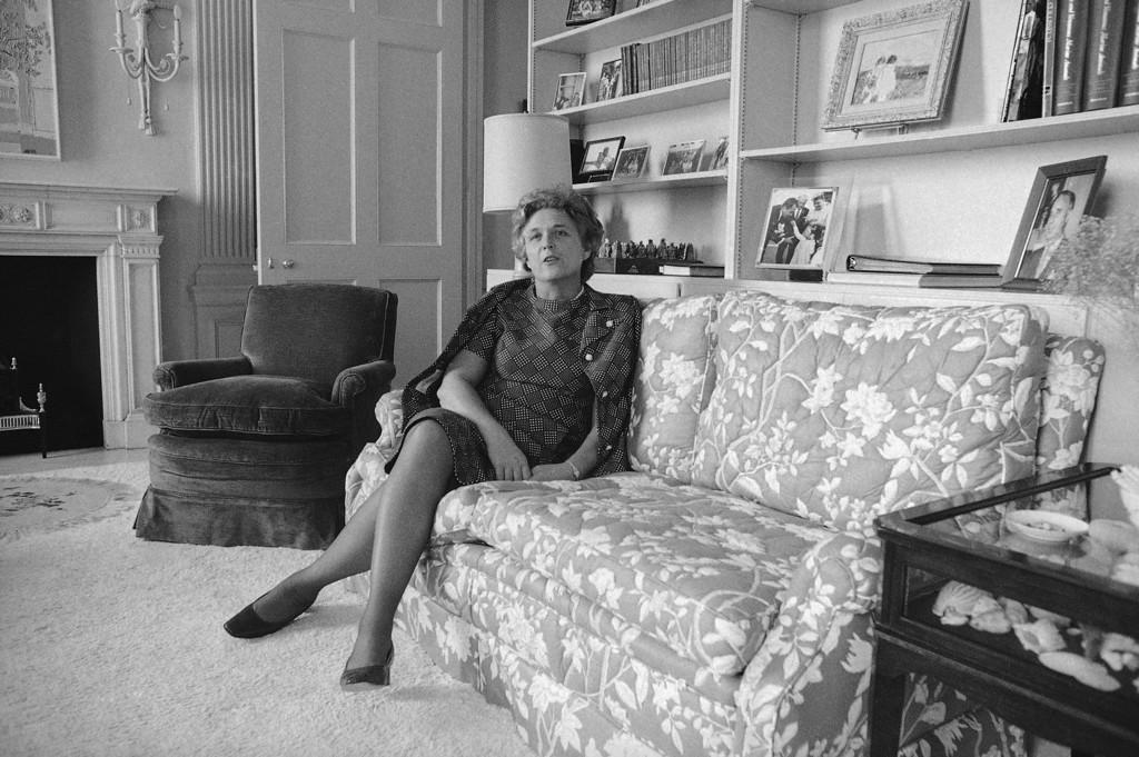 . Mrs.Barbara Bush shown April 13,1971.(AP Photo/Anthony  Camerano)