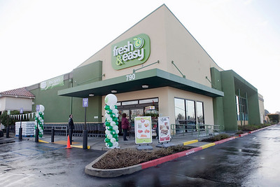 FRESH AND EASY GRAND OPENING