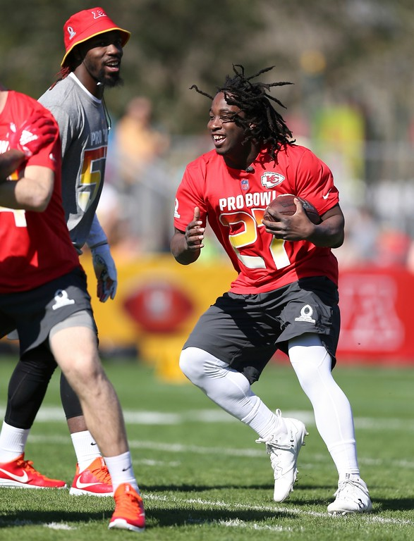. AFC rookie running back Kareem Hunt, of the Kansas City Chiefs, goes through drills during Pro Bowl NFL football practice, Wednesday, Jan. 24, 2018 in Kissimmee, Fla. (AP Photo/Doug Benc)