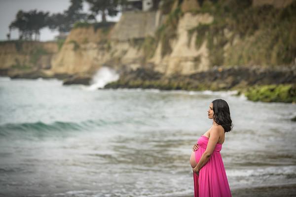 Keena Maternity Session @ Capitola Beach