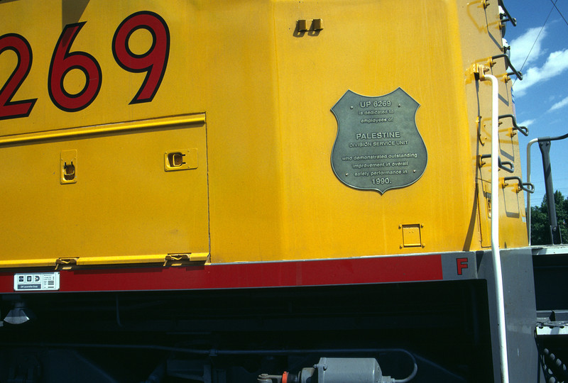 UP SD60M no. 6269, with 1990 safety award mounted on nose. June 1992. <i>(Don Strack Photo)</i>