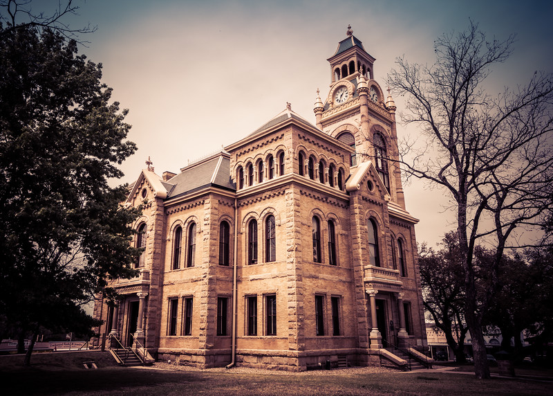 texas-justice-courthouse-llano-texas.jpg