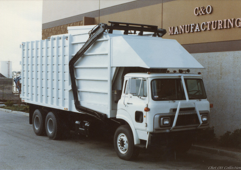 Cal San International Partial Pack Front Loader