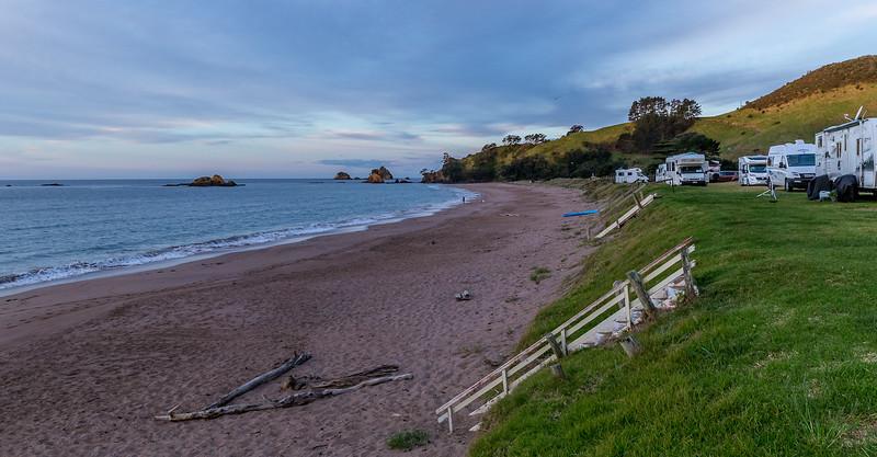 So macht campen Spass: Campingplatz an der Tauranga Bay