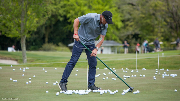Scott Puddick helping clear the practice balls on the final day of the Asia-Pacific Amateur Championship tournament 2017 held at Royal Wellington Golf Club, in Heretaunga, Upper Hutt, New Zealand from 26 - 29 October 2017. Copyright John Mathews 2017.   www.megasportmedia.co.nz