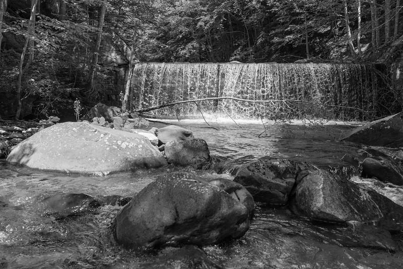 Little Waterfall - Torrente Dolo, Villa Minozzo, Reggio Emilia, Italy 01 - June 2, 2015